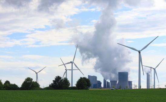 Greenpeace Energy fordert, Strukturhilfen für den Kohleausstieg an den Erneuerbaren-Ausbau zu koppeln. Foto: Elisabeth/AdobeStock