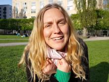 Konferencier Ruth Alice:  -Underhållbart välkomna till Hållbarhetshelg med marknad på Ängsbacka  nästa helg 27-29 maj