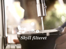 Friele gir Hjelmeset tips om hvordan lage god kaffe