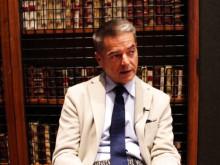 Dr. Stefano Pompei of Rome talks to Novus Scientific
