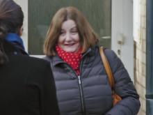 Hero mother stops burglars single handedly
