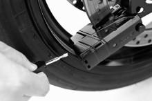 Lås och larma motorcykeln med ABUS skivbromslås