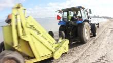 Blöjor och tång rensas från Malmös stränder