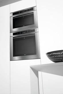 Itsepuhdistuva uuni helpottaa pitämään keittiön siistinä