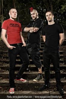 Melodiös punkrock med sång på skånska