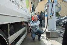 Stockholm får världens första publika tankstation för biodrivmedlet ED95 – nu ska tung trafik bli hållbar