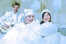 Allsång och snö blandas med fantasier, hundar och känsliga bitar i Barnens abonnemangsserie!