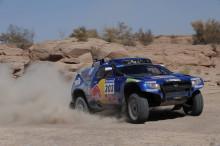 Volkswagen försvarade Dakar-titeln med trippelseger