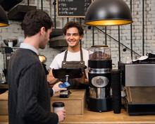 Visa Europe startet gemeinsam mit Googles Android Pay neues Digital Enablement Programme
