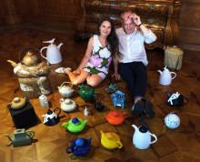Formstark höststart på Hallwylska museet!          Tekannor med drag - signerad svensk keramik