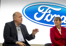 Ford-Chef Jim Hackett eröffnet Smart-Mobility-Standort in London