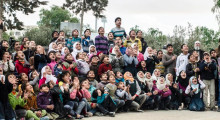 Skratt och lekfulla metoder ska hjälpa syriska barn