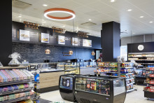 Hvordan ser fremtidens servicestation ud? Forvandlet Circle K butik inviterer til House Warming, hvor Circle K's partnerskab med IONITY, der har etableret high power ladestandere til elbiler på en række stationer, officielt indvies.
