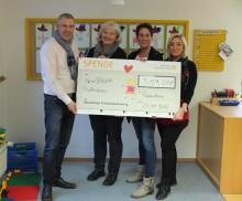 Kunden des Maximilian Telefonbuchverlags erspielen über 3.100 Euro für die Kita SpielRAUM in Paderborn