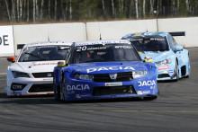 Kvällspigg Andersson siktar mot pallen med Dacia på Mantorp Park
