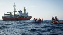 PRESSKONFERENS: Italien tvingar Panama att stoppa räddningsfartyget Aquarius