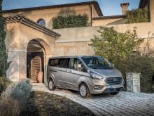 Ford Tourneo Custom tarjoaa erinomaiset ajo-ominaisuudet ja on entistä taloudellisempi uudistettujen moottorien ja kevythybriditekniikan ansiosta