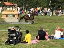 Folkfest med fälttävlan på Segersjö