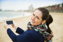 Mobilen med til udlandet: Hvilket abonnement skal du vælge?