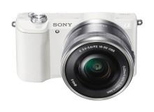 Sony annonce le plus petit appareil photo à objectifs interchangeables au monde1 : Sony A5100