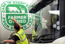Arla demonstrates its continued support for its farmer owners as new farmer-owned marque appears on the first of its milk tankers