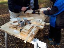 Dags igen bygga fler holkar till fåglarna på Kyrkberget i Lindesberg