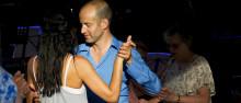 Sommarlund: somrig och eldig midsommardans