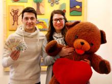 Erfolgreiche ebay-Aktion: Gianluca Marzullo versteigert Trikot und Fanschal
