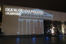Kulturhuset firar 15 år med ljustempel på fasaden