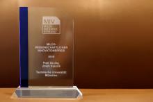 MIV zeichnet Milchtechnologen aus - Verleihung Milch-Wissenschaftlicher Innovationspreis 2015 an Herrn Prof. Kulozik