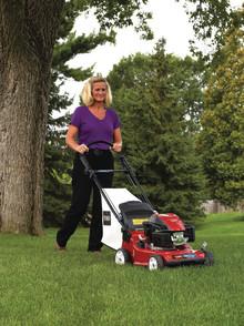 Små och stora nyheter för gräsmattan - både för den lilla och stora trädgården.