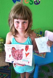 Die kleine Sophie sammelt für Bärenherz