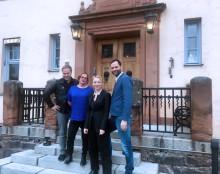 Lindy Larsson och Sara Jangfeldt tar plats i juryn för Såstaholms Pris till Höstsols Minne