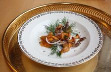 Första svenska avhandlingen om syrsor som livsmedel