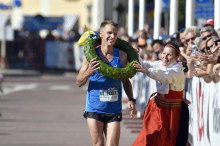 Jonas Buud and Jasmin Nunige won Ultravasan 2015 – Sweden's largest ultramarathon