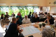 Dialogen i Bergsjön fortsätter med samtal och invigningsfest