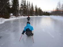Aktivitetshjelpemiddelopphold - pigging på snø og is for barn, ungdom og voksne.