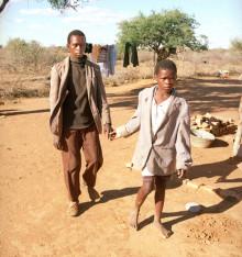 25 års framgångsrikt samarbete för att utrota flodblindhet firas på Världssyndagen 11 okt