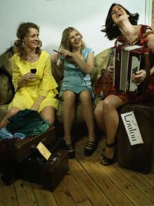 """The Loulou Sisters firar Alla Hjärtans Dag med konsert och släpper nya singeln """"En stilla flirt""""!"""