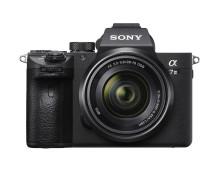 Sony øker sortimentet av speilløse fullformatkameraer med nye a7 III