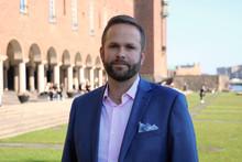 Kulturborgarråd Jonas Naddebo (C) presenterar krispaket till kulturen i Stockholm