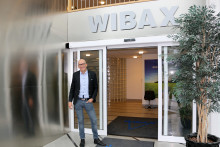 Wibax hjälper sina kunder att minska sitt fossila CO2 utsläpp