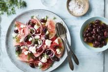 Recept på vattenmelonsallad med fetaost och oliver