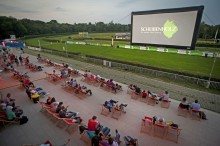 Galopprennbahn Scheibenholz wird zum größten Open-Air-Kino der Region Leipzig