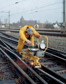 Flexovit introduceert een nieuw aanbod afbraam – & doorslijpschijven in de rail industrie