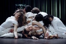 Berörande, upprörande och vackert – Wim Vandekeybus dansföreställning PUUR har premiär 2 februari på Kungliga Operan
