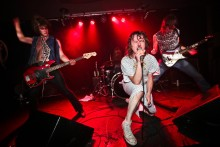 THE CAVEMEN: Fast-Rising Garage-Trash Troggs Return To Nuke Dirty Water Club