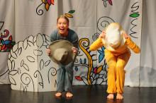 Trolleritricks och dans för de små i länet
