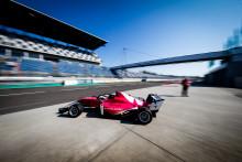 NENT Group sender verdens første motorsportmesterskap for kvinner