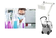 Utsug som filtrerar luften i laboratoriemiljön
